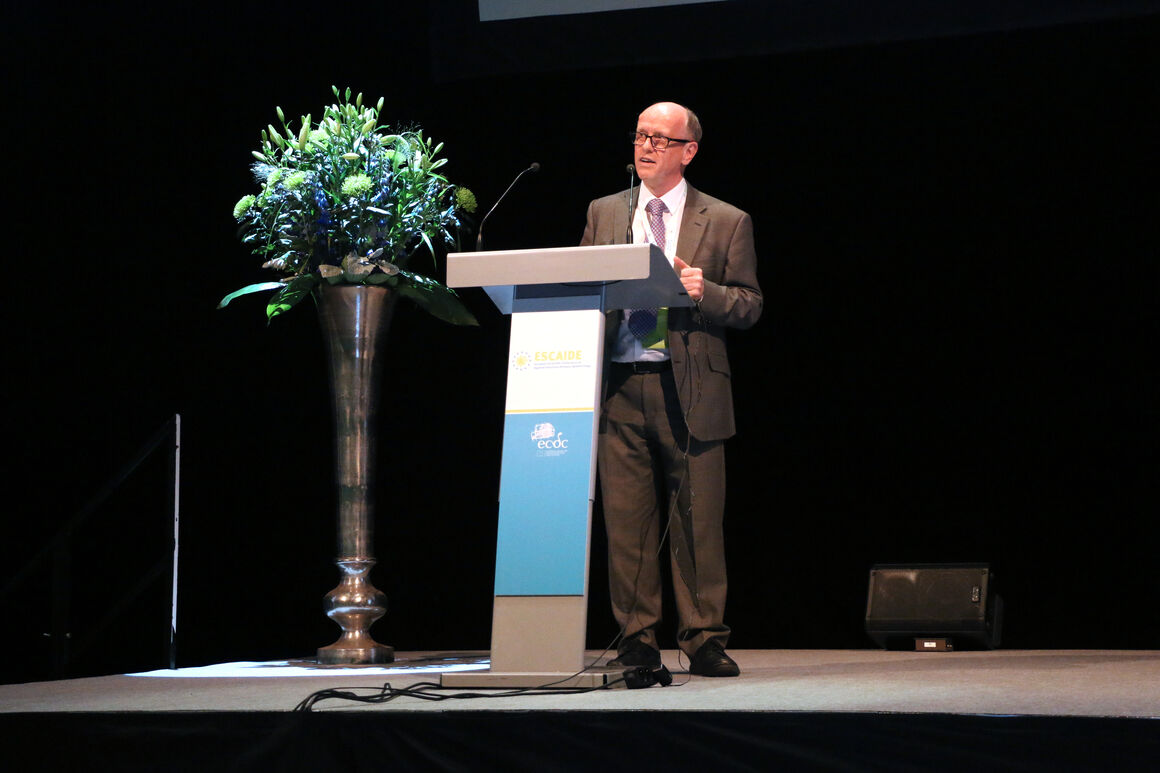 past ESCAIDE image 29