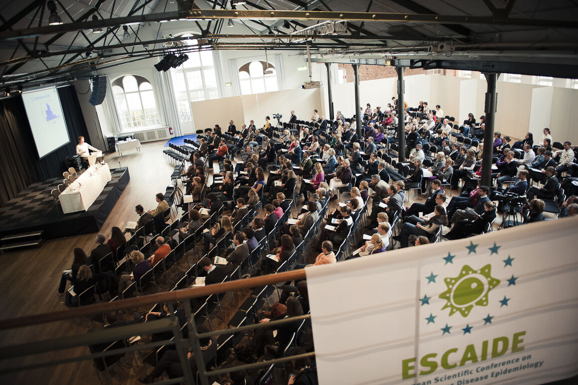 Past ESCAIDE image 4