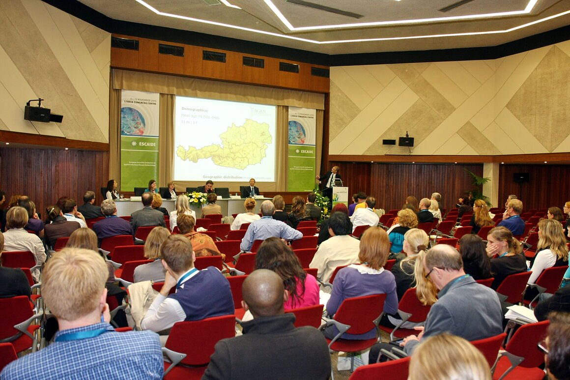 past ESCAIDE image 42