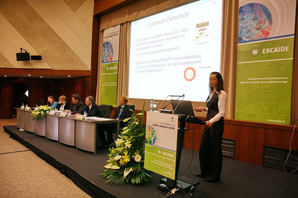 past ESCAIDE image 43