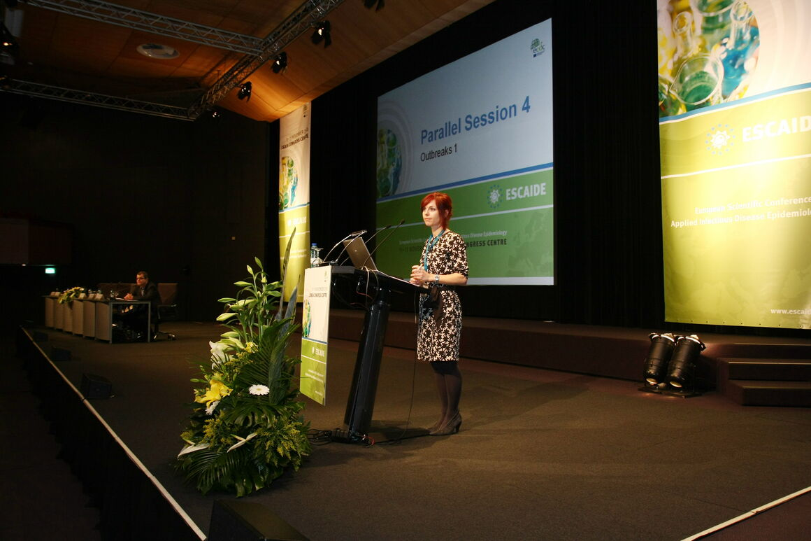 past ESCAIDE image 44